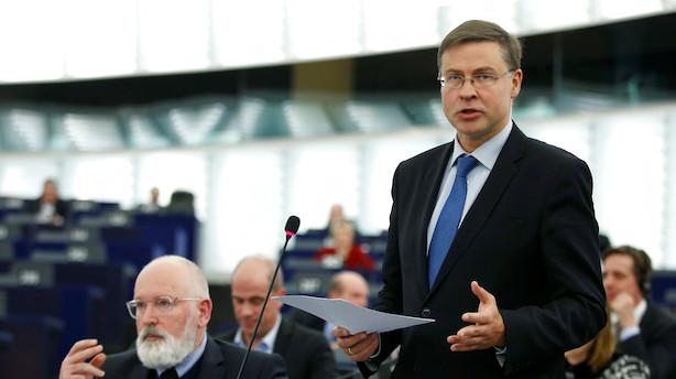 Kommissær søsætter mindstelønshøring med løfte til Danmark
