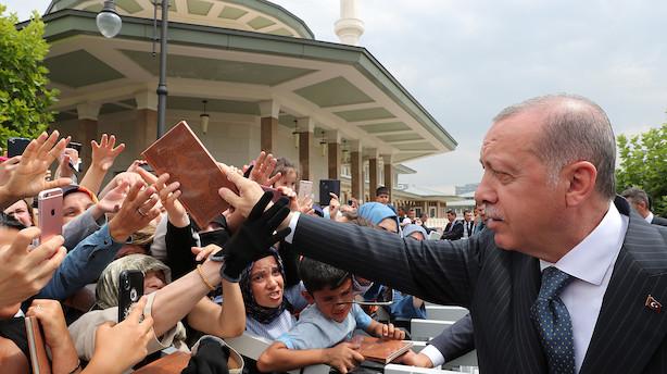 Analyse: Tyrkisk lira i frit fald - finansmarkederne trækker tæppet væk under Erdogans økonomiske model