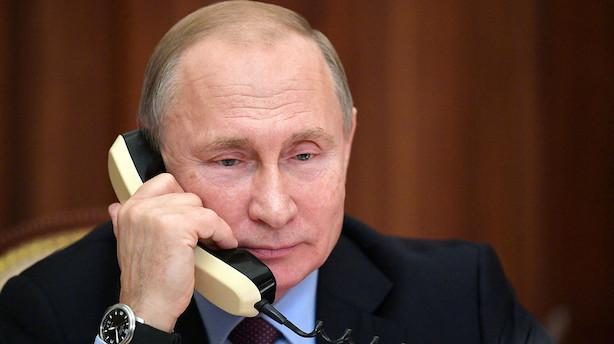 Putin og Zelenskij vender Ukraine-konflikt i telefonen