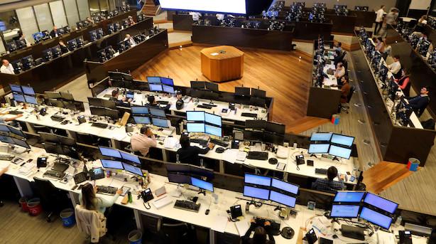 Amerikanske aktier tæt på rekorder trods it-fald