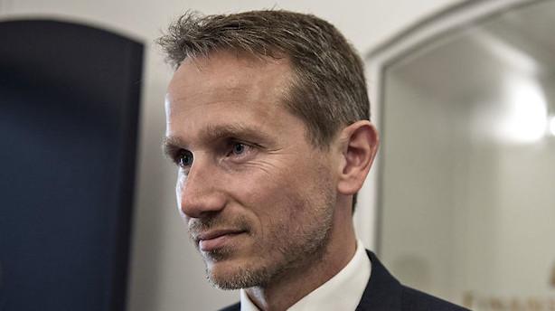 Ministre med ansvar for skandaler i Skat skal ud af Folketinget