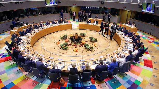EU-ledere nikker ja til brexit-aftale - opmærksomheden rettes mod London