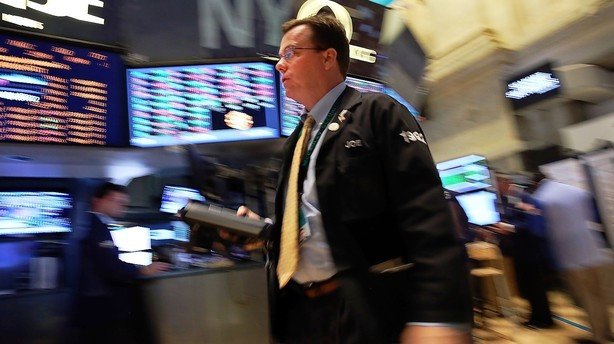 167e05d7dda51e Lehman Brothers sad med aben da klokken lød
