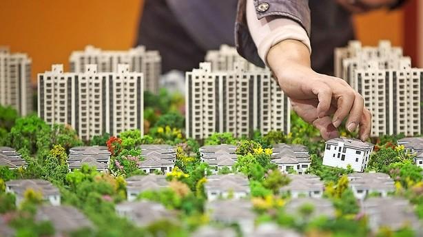Kina træder på boligspeederen
