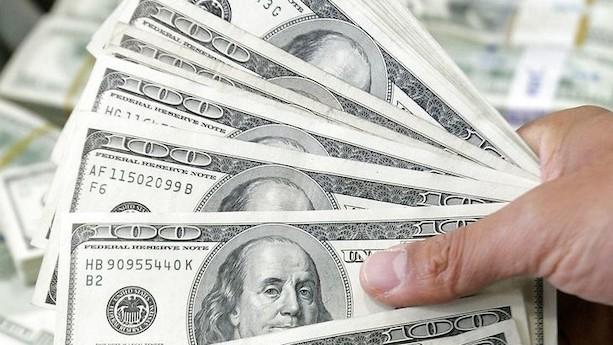 Valuta: Dollar styrket til højeste niveau over for yen i fire måneder