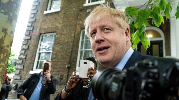 Boris Johnson øger føring - udviklingsminister slået ud af konservativt lederopgør