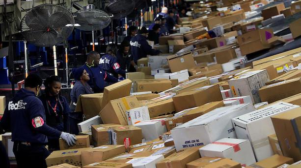 Pakkegigant kommer med dystert skøn for den globale økonomi