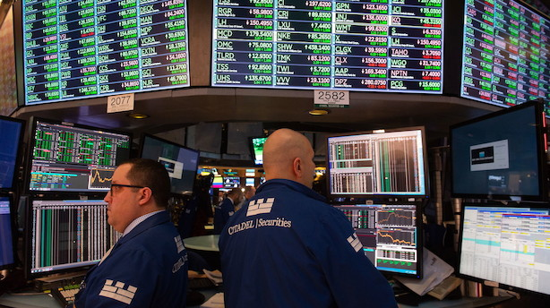 Aktier: Wall Street åbner med små minusser