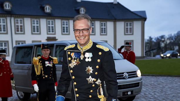 Efter kritik af dobbeltrolle - hofchef stopper som formand for Poul Due Jensens Fond