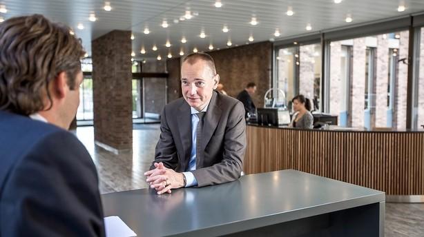 Forbigået som chef for ny kæmpeenhed - stopper i Danske Bank efter 14 år