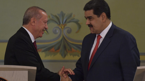 Erdogan hylder Venezuelas udskældte præsident Maduro