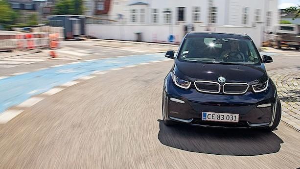 Nu falder CO2-hammeren for bilindustrien - og den falder hårdt