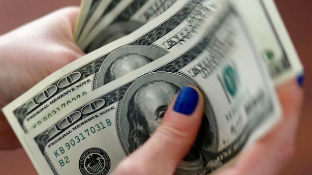 Valuta: Centralbank-kommentarer får dollar til at glimte