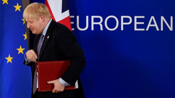 Kan brexitaftalen samle flertal i det britiske parlament på lørdag? Det store regnestykke er i gang