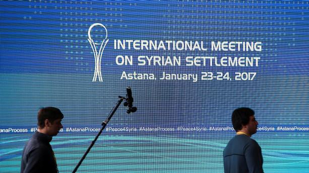 clanek det sker i dag fredsforhandlinger om syrien indledes