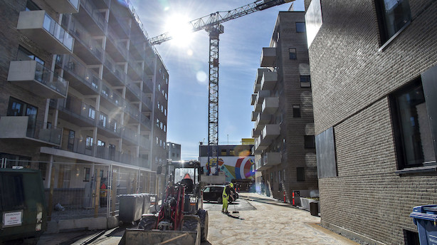 Morgenbriefing: Byggeriet på vej ned i gear, kæmpeunderskud i bagerkæde