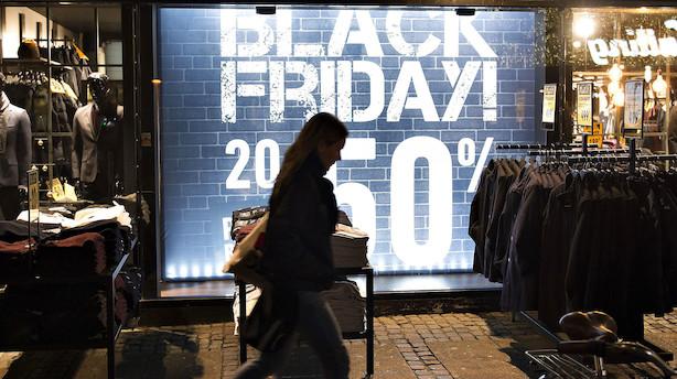 Danskerne holdt på pengene i oktober: Men Black Friday kan meget vel udløse opsparet forbrugslyst