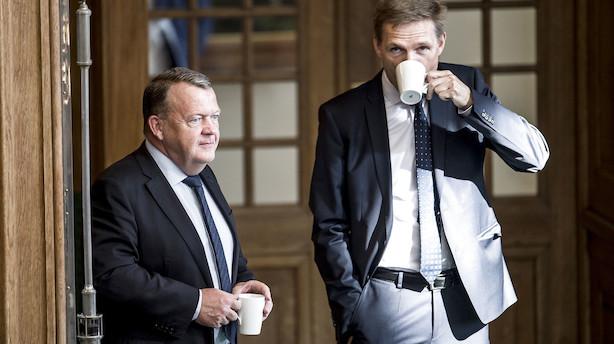 """Løkke vil have 1 mio grønne biler på vejene i 2030 - men Thulesen Dahl vil ikke bruge milliarder på altid at """"rende foran alle andre"""""""