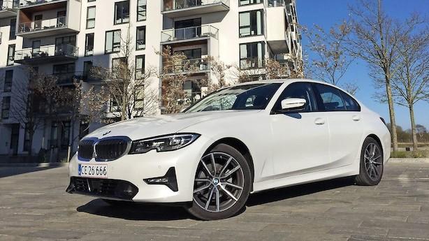 BMW 3-serien overgår sig selv: Masser af power og 17 km/l i snit
