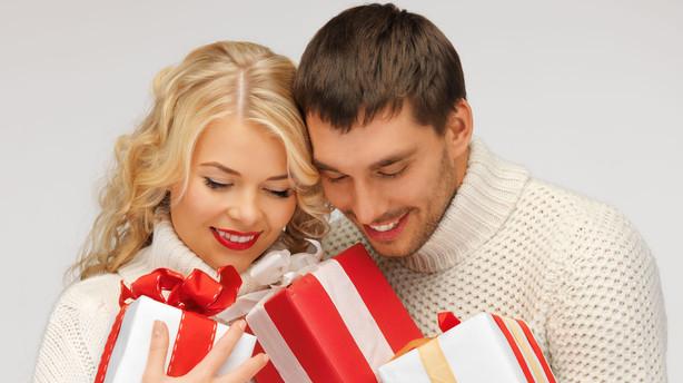 gaver til første juledag lol dating profil