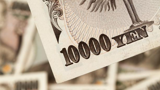 Valuta: Geopolitisk uro og sløje kinesiske tal sender yen op