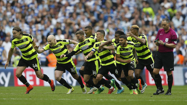 Huddersfield vinder engelsk milliardkamp