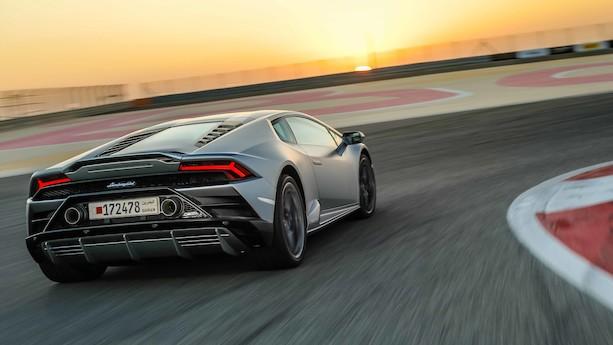 Der er et sving: Lamborghini Huracán Evo angriber!