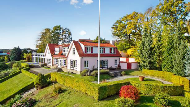 Oliekonge sætter Bredballe-villa til salg for 25 mio kr