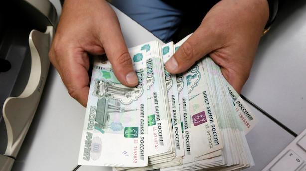 Ruslands centralbank løfter overraskende renten - rublen styrkes