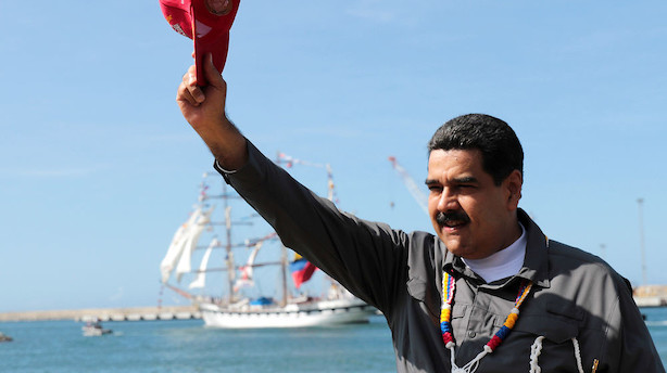Mens du sov: Diktator vil redde fædrelandet med olie-kryptovaluta