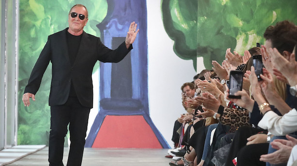 Michael Kors nærmer sig en aftale med Versace