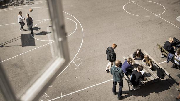 Ny forskning: Flere timer i skolen giver bedre karakterer