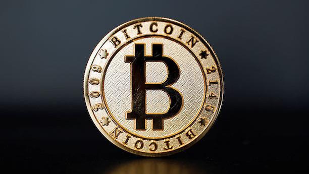 """Magtkamp truer valuta:  """"Det bliver ikke kønt, og derfor trækker folk sig"""""""