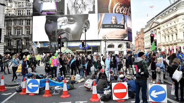 Klima-aktivister blokerer det centrale London