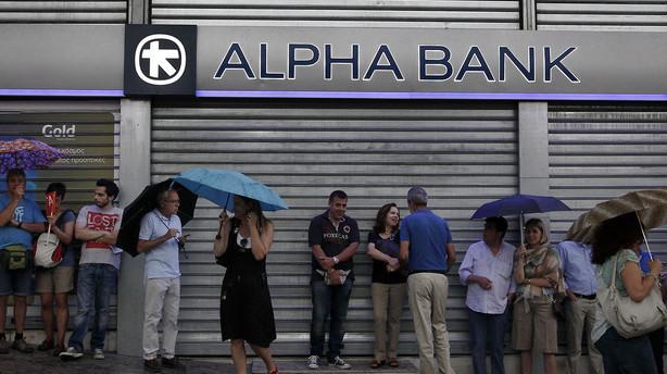 Græske banker holder lukket til på mandag
