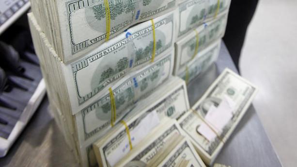 Valuta: Dollarsvækkelse efter ministerfyring fastholdes