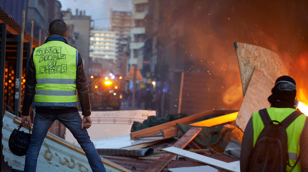 Slås stadig for billigere brændstof: 133 kvæstet og 412 anholdt under uroligheder i Paris
