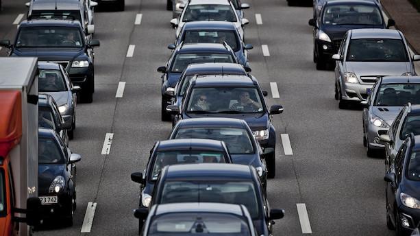 Danskerne kører mere og mere i bil
