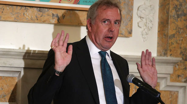Britisk ambassadør i USA går af under krise
