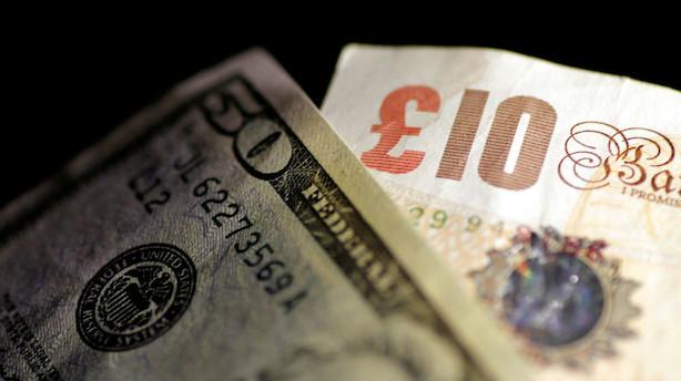 Valuta: Pund svækket af valgprognose - rolig dollar op til Fed-møde