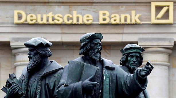 Medie: Deutsche Bank overvejer at fyre hver femte i USA