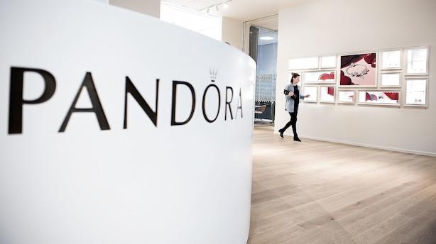 Storbank høvler en fjerdel af Pandora-aktien