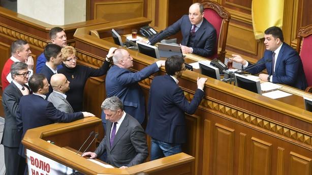 Ukraines parlament fyrer skandaleombrust rigsadvokat
