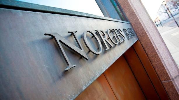 Norsk krone rejser sig lidt fra nær historisk svagt niveau