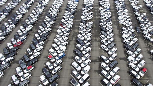 EU: Bilers CO2-forurening skal sænkes med 30 procent
