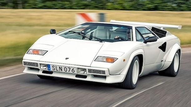 V12'eren i den kileformede 1970'er-helt brøler stadig
