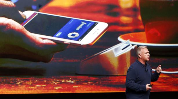 Nu kan du lade Dankortet blive hjemme og betale med Apple Pay som Danske Bank-kunde