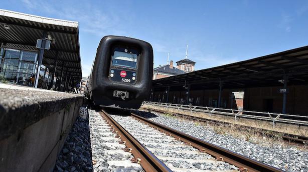 DSB-personale nedlægger arbejdet: Togtrafikken er ramt i hele landet