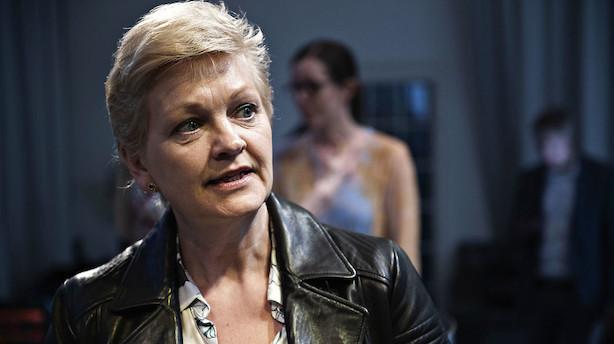 Eva Kjer Hansen underskriver kodeks for flere kvinder i ledelse