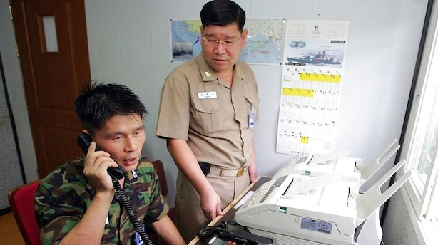 Nordkorea genåbner hotline til Sydkorea